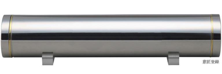 横置き型の専有容積わずか3000ccを可能にする防湿高強度骨壺を使用