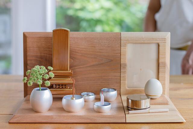 手元供養のミニ仏壇